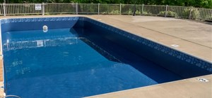 5 Warning Signs Your Vinyl Pool Liner Is Due for Replacement